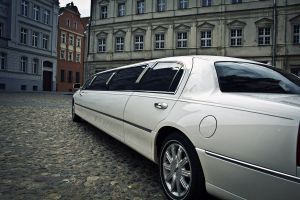 6 limuzyny002 lincoln town car new york 120