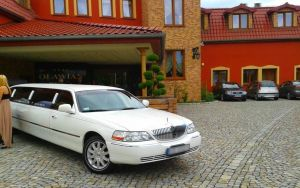 3 limuzyny002 lincoln town car new york 120