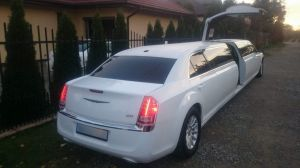 4 limuzyny003 chrysler 300 las vegas edition